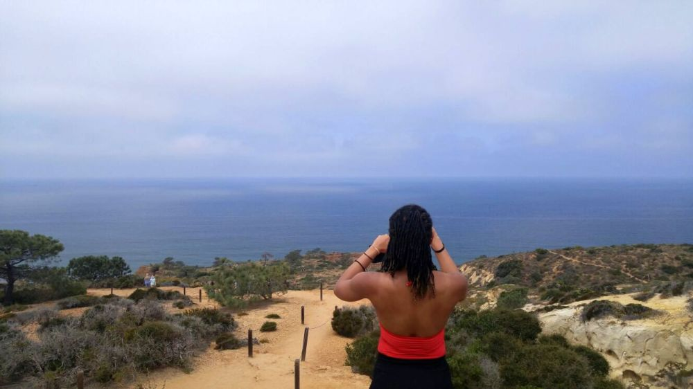 T1 Alexis Chateau Photographing Torrey Pines
